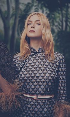 jaw-dropping wallpaper Blonde and beautiful, actress, Elle Fanning wallpaper - Free Large Images Autumn Photography, Photography Poses, Reign Fashion, Dakota And Elle Fanning, Celebrity Wallpapers, Girl Inspiration, Autumn Winter Fashion, Winter Style, Fall Winter