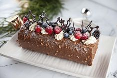 When it comes to chocolate we had to ask the best, for a decadent and delightful chocolate dessert this Christmas. Presenting the Yule Log! All hail the chocolate queen! For all the EG Christmas recipes click the link in our bio. Chocolate Roll, Chocolate Desserts, Christmas Desserts, Christmas Recipes, Christmas Cakes, Christmas 2019, Xmas, Christmas Trifle, Food Log