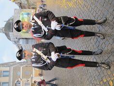 Two dashing carabinieri in Piazza del Popolo.