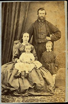 Unidentified family Photographer: Thomas Tuffin, Wanganui Reference No: Wanganui Portrait Collection, Wanganui District Library Vintage Family Photos, Photo Vintage, Vintage Pictures, Old Pictures, Vintage Images, Old Photos, Family Posing, Family Pictures, Victorian Photos