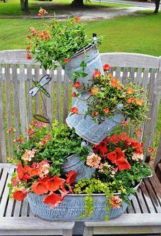 Хочу тоже поделиться своей подборкой разных идей для дачи или сада. У меня самой нет дачи, я мечтаю о ней каждое лето! Наде…