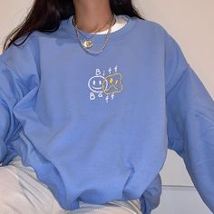 Retro Outfits, Cute Casual Outfits, Vintage Outfits, Aesthetic Shirts, Aesthetic Clothes, Blue Aesthetic, Embroidered Sweatshirts, Embroidered Clothes, Tomboy Fashion