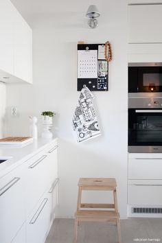 Aarikka koristaa kodin - Valkoinen Harmaja | Divaaniblogit