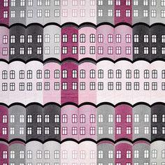 Det fargesterke stoffet Stad er designet av Emelie Ek for det svenske varemerket Arvidssons Textil. Stoffet er laget i fin bomull og har et lekent og trendy mønster med bygninger i forskjellige farger. Sett litt farge på hjemmet ditt ved hjelp av dette herlige stoffet og bruk det som gardin eller hvorfor ikke til vakre putetrekk