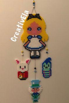Alice, Bianconiglio, Brucaliffo E Cappellaio Perler Beads, Alice, Christmas Ornaments, Patterns, Holiday Decor, Design, Home Decor, Block Prints, Decoration Home