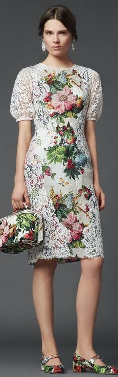 f58ef98409 The beautiful dress to make you look cool. Pretty Dresses, Floral Fashion,  High