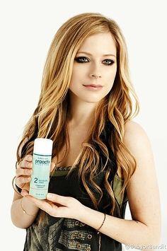 2. Avril Lavigne | 13 Horrifying Moments In Celebrity Proactiv Endorsement History