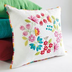 Cozy Posy Pillow  I want to make this...