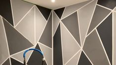 Wall Painting Living Room, Wall Painting Decor, Room Paint, Diy Wall Decor, Painting Designs On Walls, Bedroom Wall Designs, Accent Wall Bedroom, Geometric Wall Paint, Modern Wall Paint