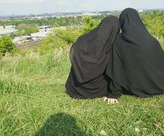 Image in 💕Muslimah💞 collection by Uniquemuslimah Hijab Niqab, Mode Hijab, Muslim Culture, Hijab Dpz, Stylish Hijab, Niqab Fashion, Islam Women, Girls Dp Stylish, Islamic Girl