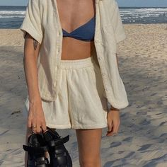 Best Aesthetic Clothes Part 31 Mode Outfits, Casual Outfits, Fashion Outfits, Fashion Tips, Modest Fashion, Girl Outfits, Surfergirl Style, Looks Style, My Style
