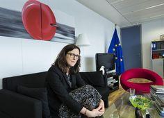 HS:n Brysselissä haastattelema kauppakomissaari Cecilia Malmström haluaa uskoa, että TTIP-sopimus syntyy, vaikka vastustusta on molemmin puolin Atlanttia.