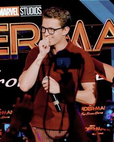 he's so adorable with glasses on Baby Toms, Tom Holland Peter Parker, Tom Parker, Tommy Boy, Men's Toms, Marvel Actors, To My Future Husband, Cute Boys, Actors & Actresses
