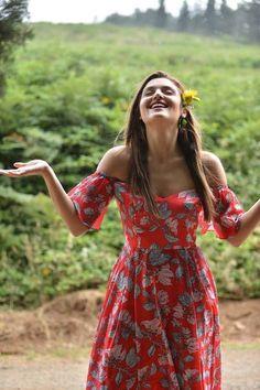 Hande Erçel( Aşk Laftan Anlamaz-Hayat)