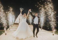 weddings, bodas, entrada de novios, fuegos artificiales, wedding inspiration.