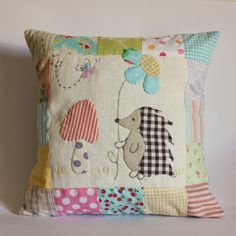 Sewing Cushions Roxy Creations: Sweet applique pillows made Applique Cushions, Patchwork Cushion, Sewing Pillows, Quilted Pillow, Applique Quilts, Applique Embroidery Designs, Applique Patterns, Quilt Patterns, Cute Pillows