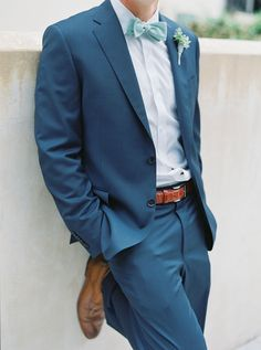 wedding inspiration groom outfit attire for the groom blue suit v/ style me pretty jennifer blair photography Beach Wedding Groom Attire, Beach Groom, Blue Beach Wedding, Beach Attire, Seaside Wedding, Light Blue Suit Wedding, Wedding Summer, Guys Wedding Suits, Sea Foam Wedding