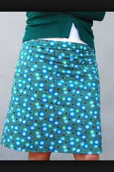 Rok Sewing Clothes, Diy Clothes, Clothes For Women, Modest Outfits, Cool Outfits, Dedicated Follower Of Fashion, Skirt Patterns Sewing, Skirt Tutorial, Textiles