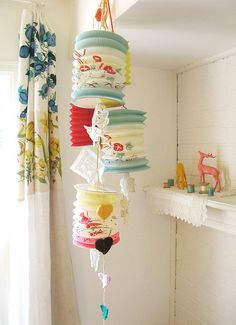 love the lanterns and crochet/lace details...instant cute to a room!