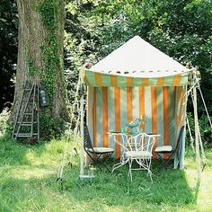 40 Vintage Garden Furniture Ideas for Outdoor Living Love Garden, Summer Garden, Glass Garden, Dream Garden, Garden Furniture, Furniture Decor, Furniture Vintage, Indian Garden, Picnic Quilt