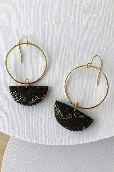 Diy Clay Earrings, Polymer Clay Earrings, Earrings Handmade, Leather Earrings, Leather Jewelry, Resin Jewelry, Jewellery, Cute Jewelry, Ethnic Jewelry