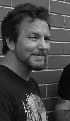 Eddie Vedder Black and white Music Love, Music Is Life, A Good Man, The Man, Mister Ed, Jeff Ament, Pearl Jam Eddie Vedder, Sing To Me, Rock Legends
