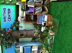 Paper mâché tree for classroom: cardboard tubing from home depot, paper mâché, and add fake leaves,plants, small animals. Classroom Tree, Classroom Pets, Preschool Classroom, Classroom Decor, Paper Mache Tree, Small Animals, Easy Crafts For Kids, School Teacher, Fun Ideas