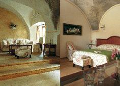 "Suiten im Hotel Mooslechners ""Bürgerhaus"" in Rust am Neusiedlersee. Romantischer geht es nicht... Boutique, Rust, Bed, Furniture, Home Decor, Homes, Homemade Home Decor, Stream Bed, Home Furnishings"