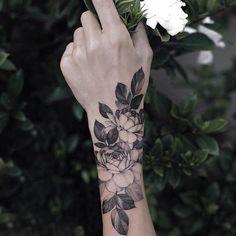 Trendy Tattoos, Unique Tattoos, Beautiful Tattoos, Cool Tattoos, Pretty Hand Tattoos, White Tattoos, Awesome Tattoos, Sexy Tattoos, Form Tattoo