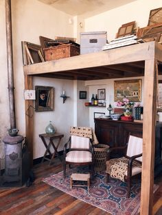 A Portal to Bygone Bohemian Paris in the Oldest House of Montmartre