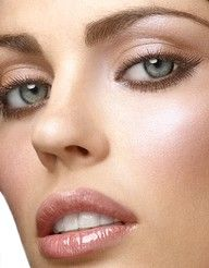 Love this light shimmery make-up look