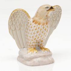 "Herend Hand Painted Porcelain Figurine ""Eagle"" Butterscotch Fishnet Gold Accents."