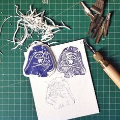 Vabè qui ho persoilcontrollo... #stamp #sellos #print #printwork #handcrafted #sketch #illustration #blockprint #starwars #dartvader #handmade #madstamp #geek #nerd #barcelona  #ilovemywork @giulzzz eccolo Tutto tuo!