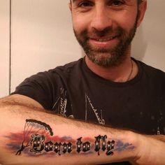 Skydiver dövmesi - seven tattoo by tattoobrothers. Randevu ve fiyat bilgisi için GSM: 05323546726