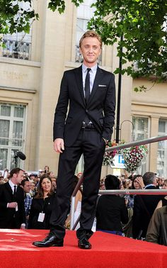 Tom Felton at Deathly Hallows Part 2 Premiere <----- he reminds me so much of tom Hiddleston it's scary!!