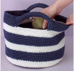 Summer handbag with handles. Scheme of knitting by a hook Summer Handbags, Summer Bags, Purses And Handbags, Crotchet Bags, Knitted Bags, Easy Crochet Stitches, Crochet Patterns, Crochet Handbags, Tapestry Crochet