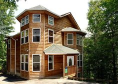 Happy Days - 419 | This is an amazing 4 bedroom cabin! Click the pin to see more!