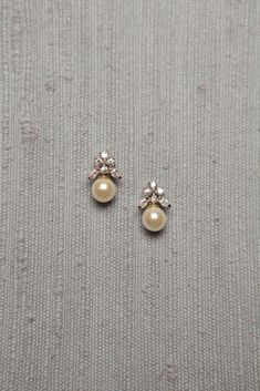Diamond Jewelry Simple Diamond and Pearl Studs studded with 6 diamonds and a south sea pearl drop Gold Earrings Designs, Gold Jewellery Design, Necklace Designs, Jewellery Box, Jewellery Shops, Ring Designs, Diamond Jewelry, Gold Jewelry, Fine Jewelry