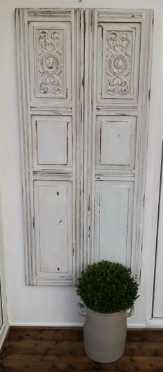 Creating Chippy Vintage Doors - with 'Ironstone' Milk Paint (Juniper and Roses)