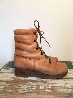 70s Hiking Boots LYNX Womens Boots Brown Winter by MileZeroVintage High Top  Boots b999f44f0c250