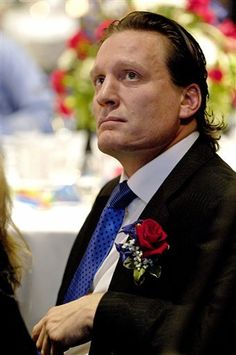 Jeremy Roenick induction ceremonies U. Hockey Hall of Fame. Hockey Hall Of Fame, Who Plays It, Stanley Cup Champions, Masked Man, San Jose Sharks, Sports Stars, Nice To Meet, Chicago Blackhawks, Hockey Players