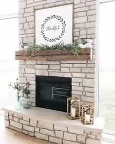 Sep 2019 - 35 Farmhouse Decor With a sign above the fireplace Farmhouse porches are designed for comfort. Fireplace Decor, Home Fireplace, New Homes, Living Room Decor, Minimalist Living Room Decor, Home, Farmhouse Fireplace, Farmhouse Living, Farm House Living Room