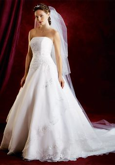 wedding gowns | ... dress 2013 Things to Keep in Mind before Shopping for a Wedding Dress