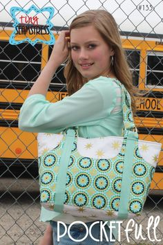Pocketfull Bag Pattern by Tiny Seamstress Designs // Fabric: La Vie Boheme designed by The Quilted Fish for Riley Blake Designs #iloverileyblake #lavieboheme #thequiltedfish