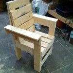 DIY Recycled Pallet Chair