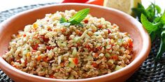 Insalata di farro, le ricette estive per preparare ottime insalate di farro con le verdure e i legumi.