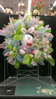 New way ti make a mesh wreath! It looks pretty good! Robin Evans
