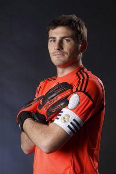 Iker Casillas foto oficial del Real Madrid