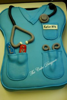 My graduation cake! But without the stethoscope.