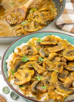 Easy Curry Mushrooms Over White Bean Mash | WellnessDove Vegan Curry, Raw Vegan, Mushroom Curry, No Bean Chili, Foods With Gluten, Mushroom Recipes, White Beans, Plant Based Recipes